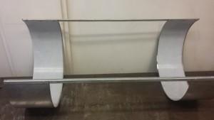 De RVS spatschermen, verbonden met aluminium profiel, aaneengepopt
